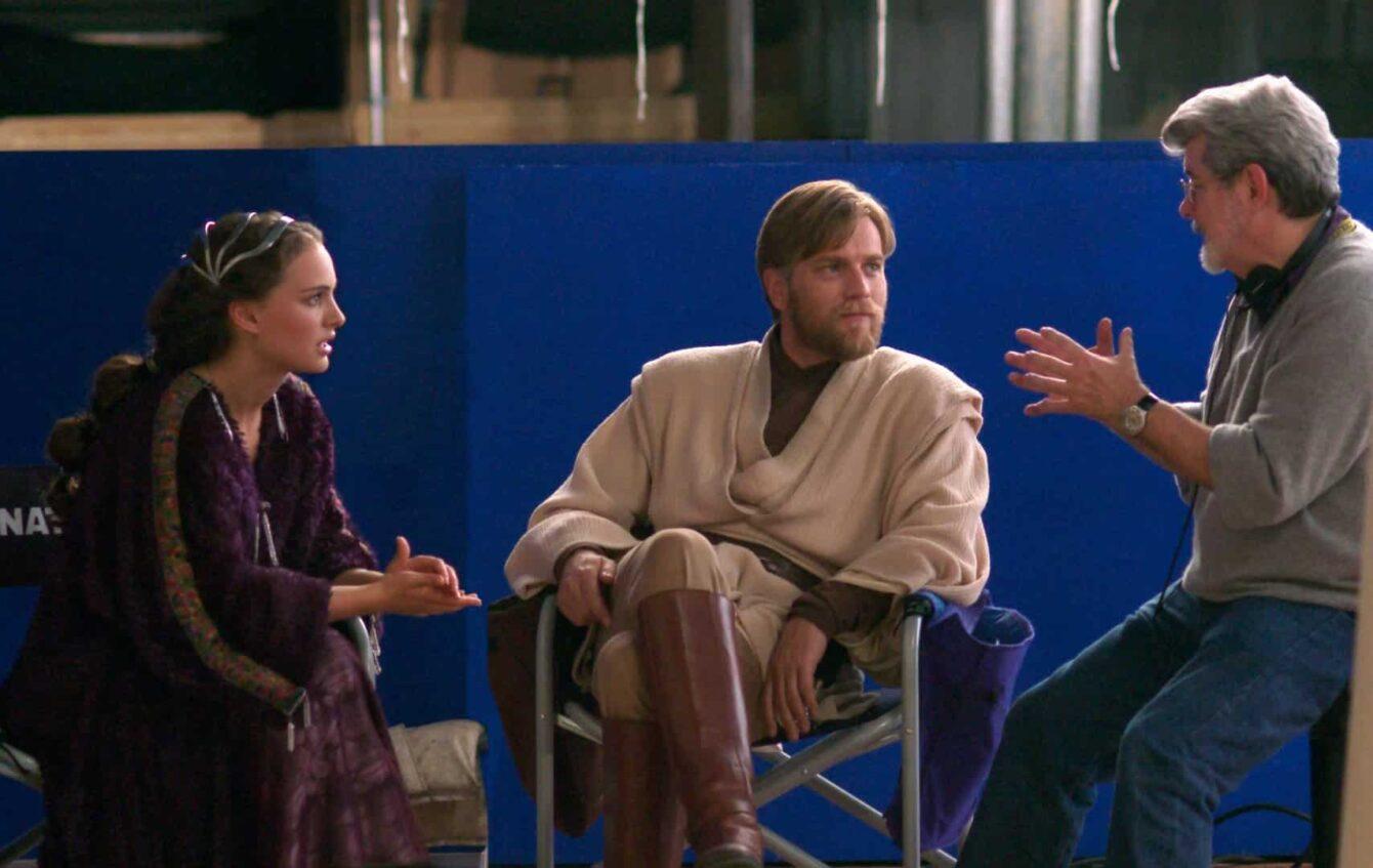 Natalie Portman (Queen Amidala) and Ewan Mcgregor (Obi-Wan-Kenobi) listen George Lucas' directions on set of Episode III - The Revenge of The Sith