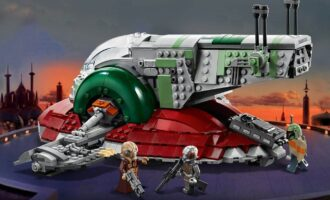 LEGO 75243 Slave I 20th anniversary detail in action