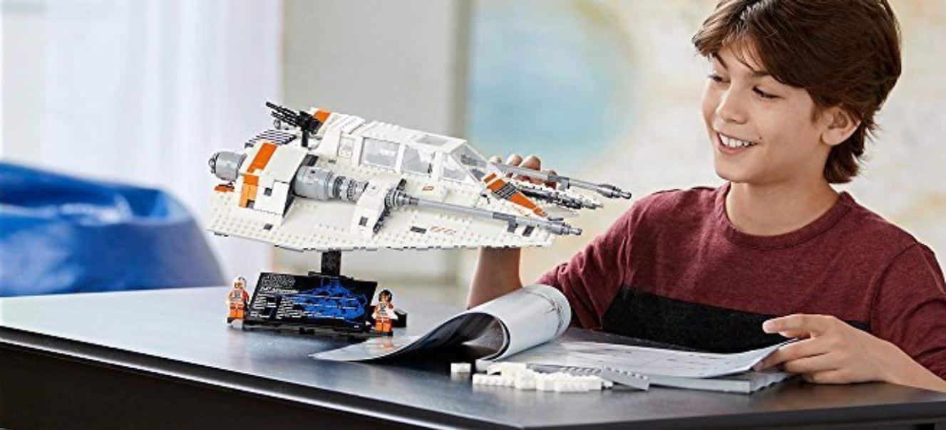 LEGO STAR WARS 75144 Snowspeeder UCS children playing