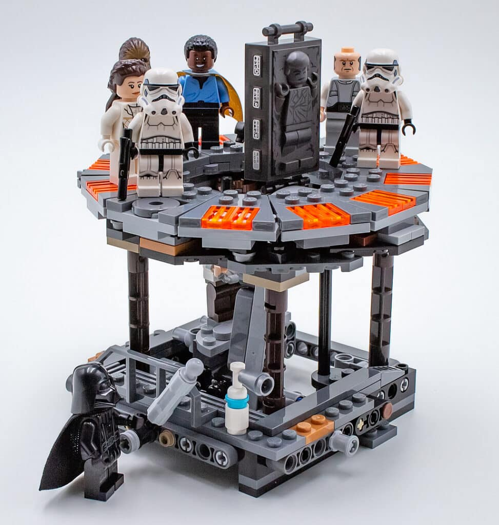 LEGO Star Wars 75222 Betrayal at Cloud City detail 6