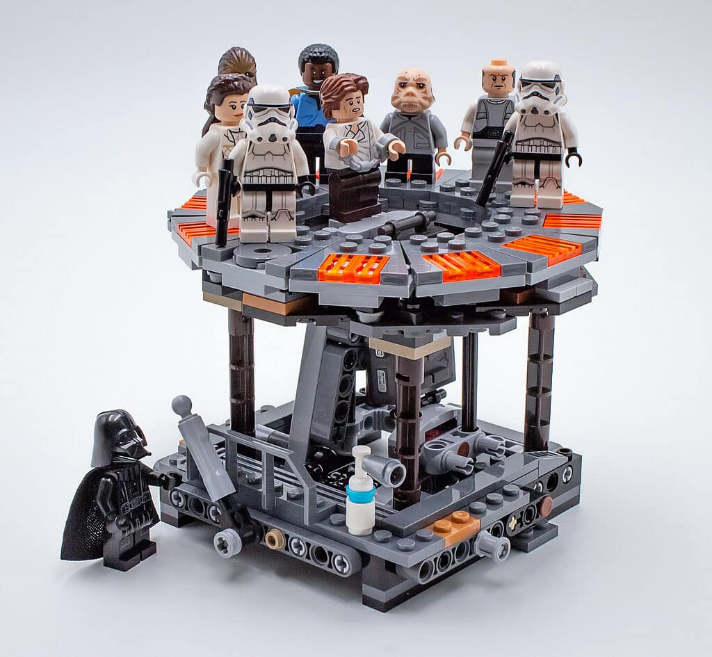 LEGO Star Wars 75222 Betrayal at Cloud City detail 7